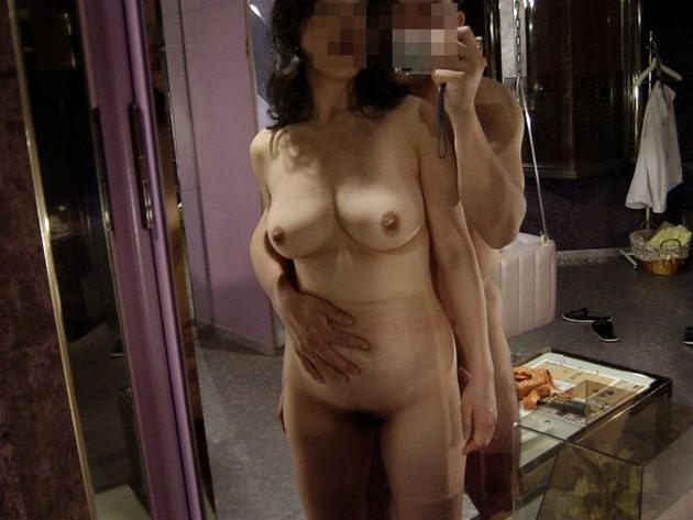 熟女が鏡の前でセックス 14