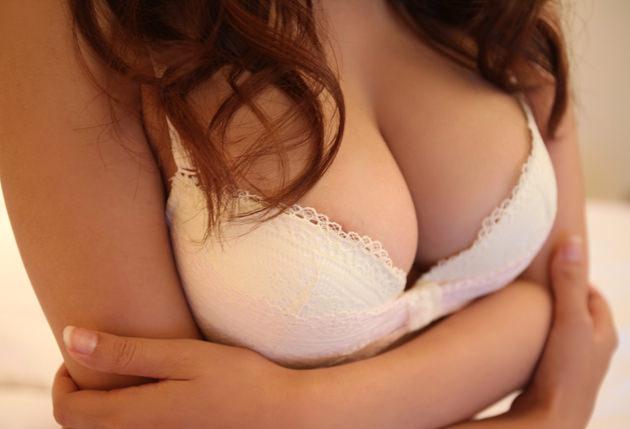 ブラ着の爆乳・巨乳おっぱい 15