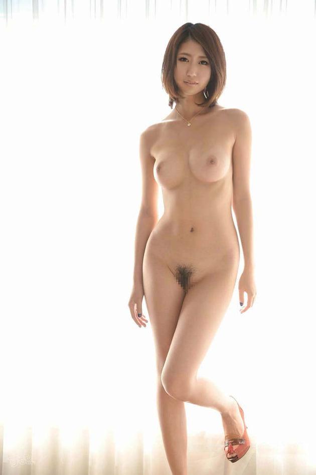 セレブな美人妻の全裸ヌード 2