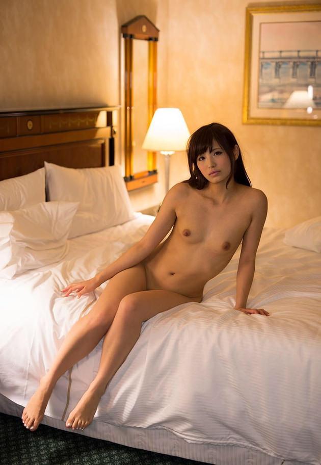 セレブな美人妻の全裸ヌード 3