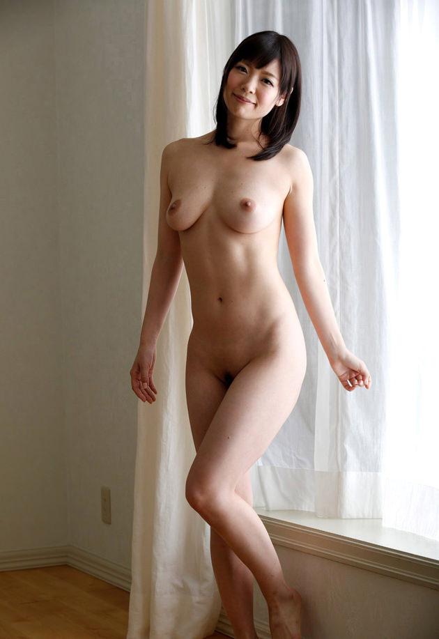 セレブな美人妻の全裸ヌード 27