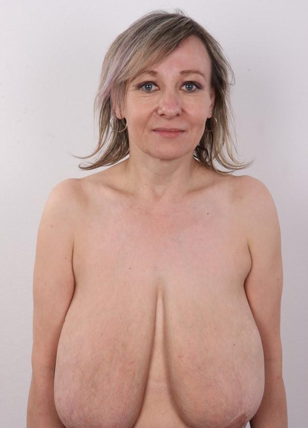 外国人熟女の全裸ヌード 1