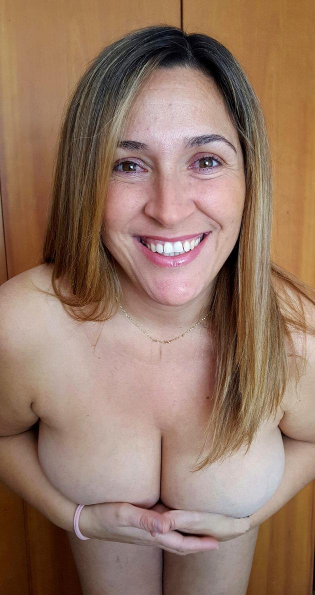 外国人熟女の全裸ヌード 6
