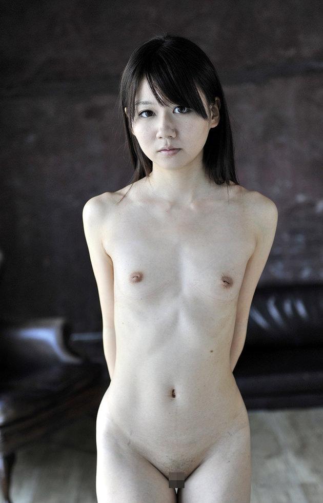 貧乳ヌード 20