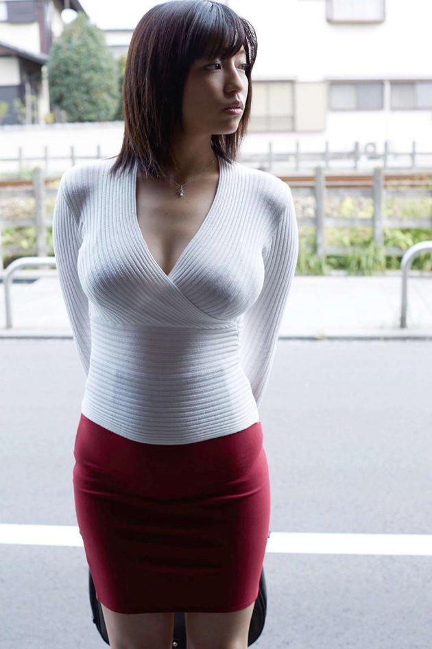 ニット着衣巨乳 10