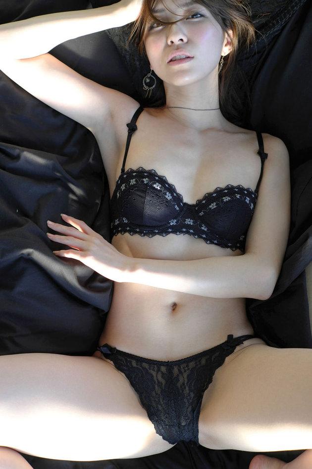可愛い娘のセクシーな下着姿 23