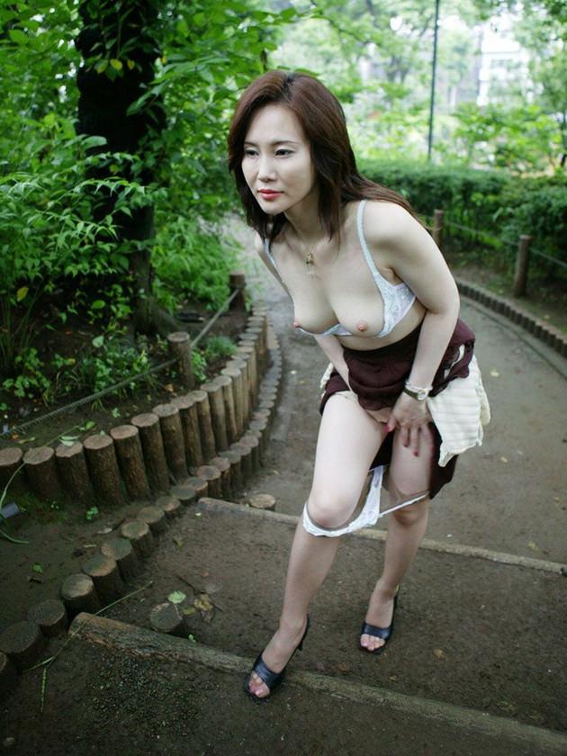 妖艶な美熟女 10