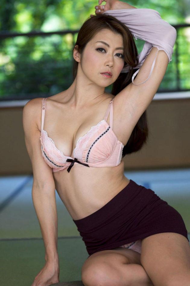 妖艶な美熟女 15