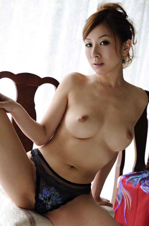 妖艶な美熟女 19