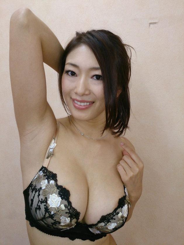 妖艶な美熟女 35