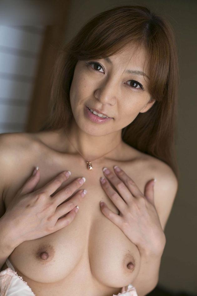 妖艶な美熟女 40