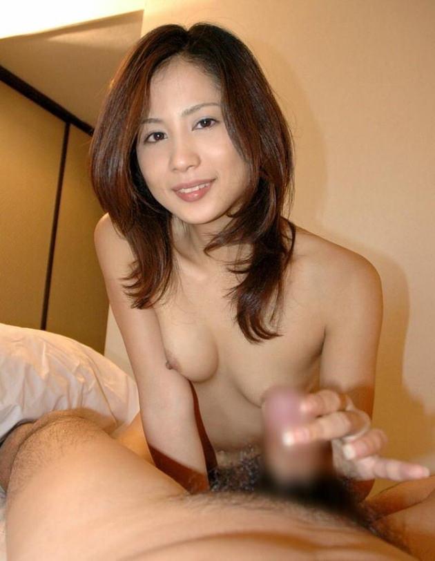 熟女の手コキ 3