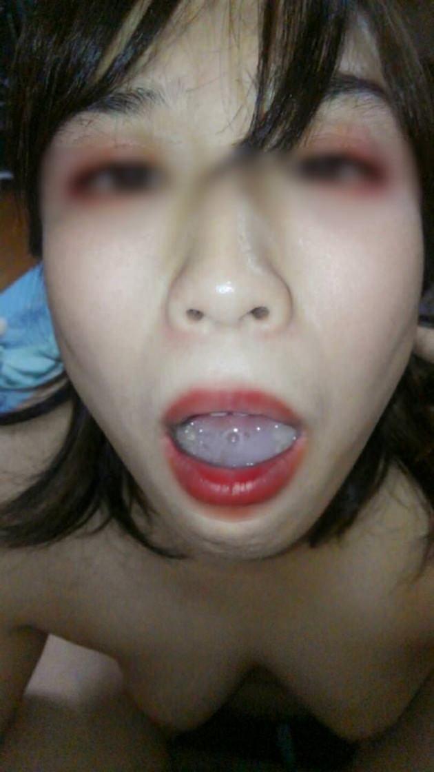 素人熟女の口内射精 7
