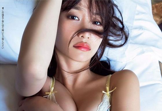 永尾まりやちゃんのセックスしてるみたいなイキ顔グラビアがエッチすぎる!