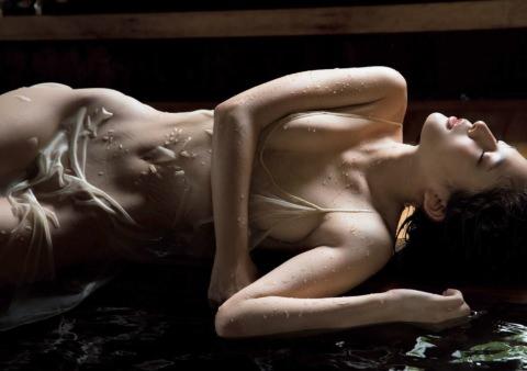 川崎あや(27)「素っ裸に見えるでしょ?」⇒2ch「完全にヌードwww」「これはエロいwwww」