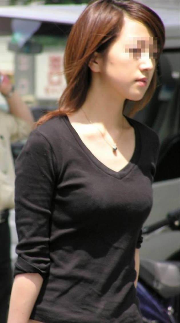 色気のある着衣の美人妻 4