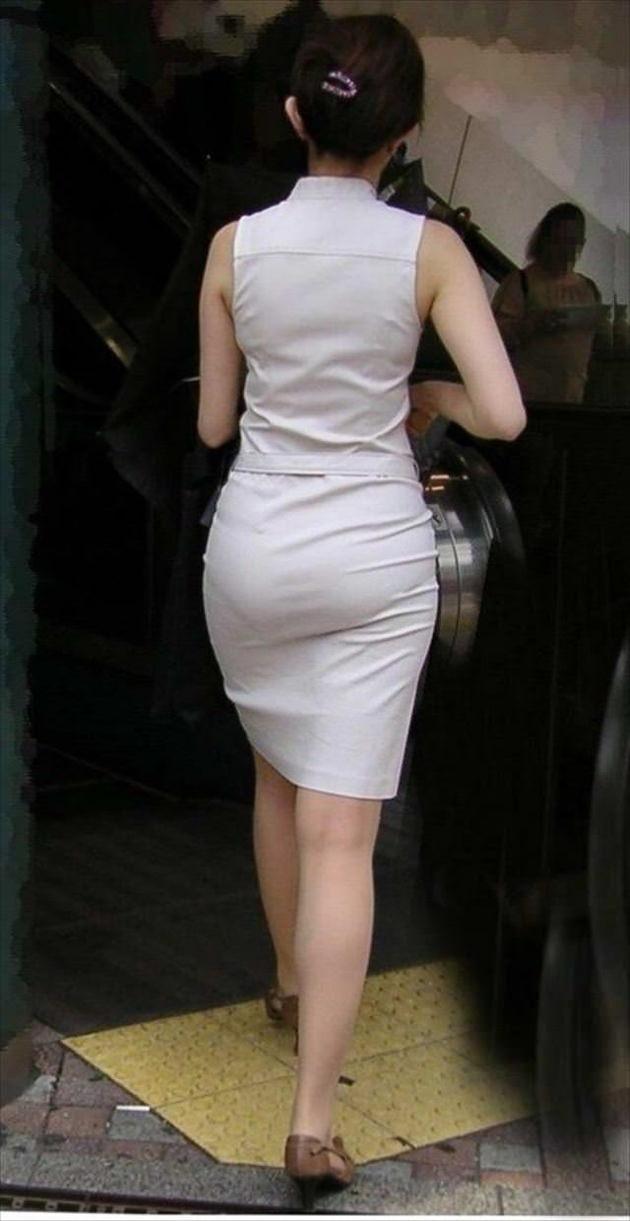 色気のある着衣の美人妻 13