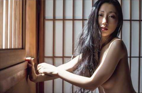 美女の騎乗位セック【速報ヌード】壇蜜(37)最新ヌード画像キタ━━━(゚∀゚)━━━!!妖艶全裸!本物の色気は衰え知らずwwwww