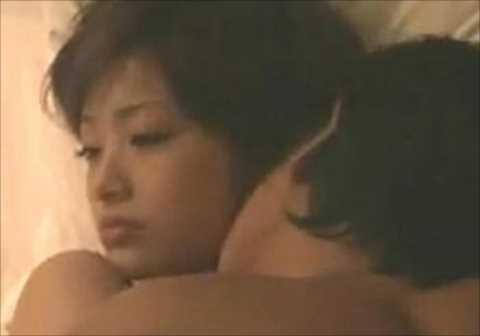 【動画】上戸彩さん、ホテルで濃厚セックス…絡み合うように情事にふけっている…