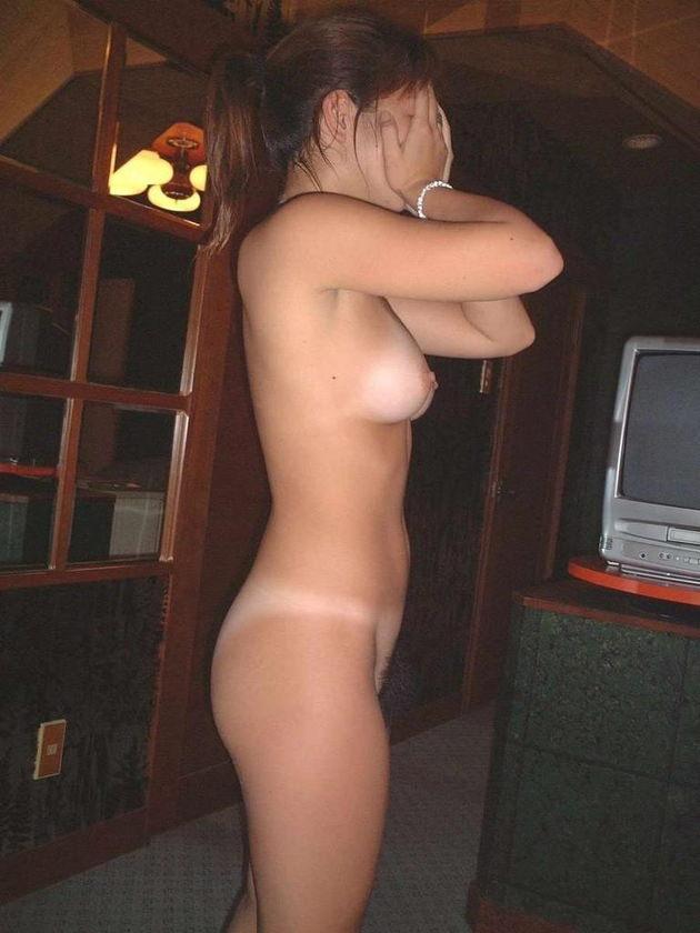 18歳から20代前半の素人の全裸 19