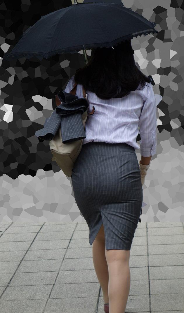 OLの着衣尻 5