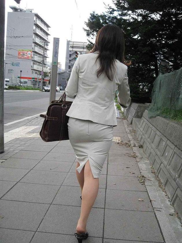 OLの着衣尻 12