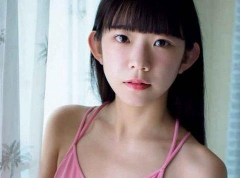 少女グラドル長澤茉里奈がブラなしでチクビを透かせる凡ミス☆色調補正でチクビの形がクッキリ・・・