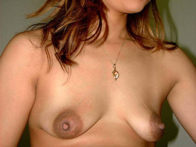 アラサー素人人妻の垂れ乳 2