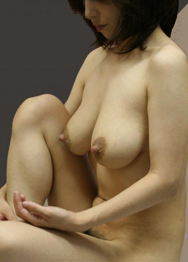 素人熟女の美乳 31