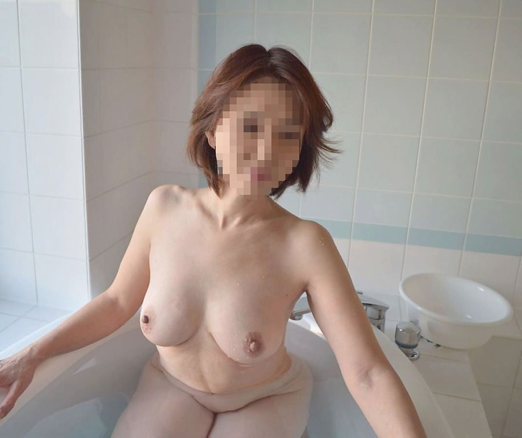 素人熟女の美乳