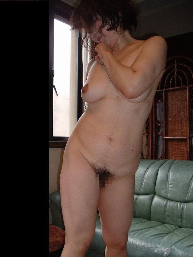 熟女の勃起乳首 22