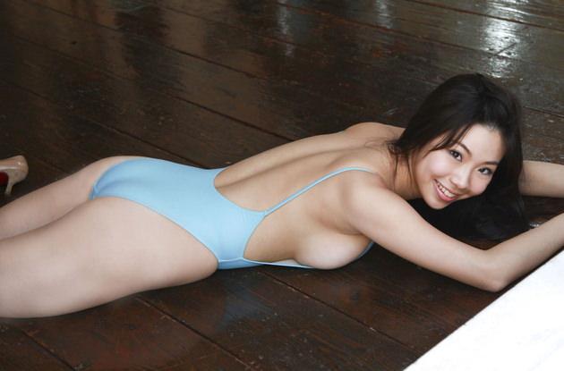 巨乳グラドルの競泳水着 12 鈴木ふみ奈