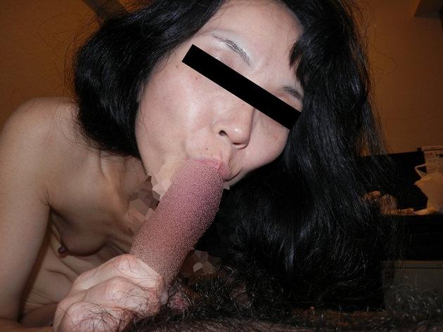 素人熟女のフェラ顔 4