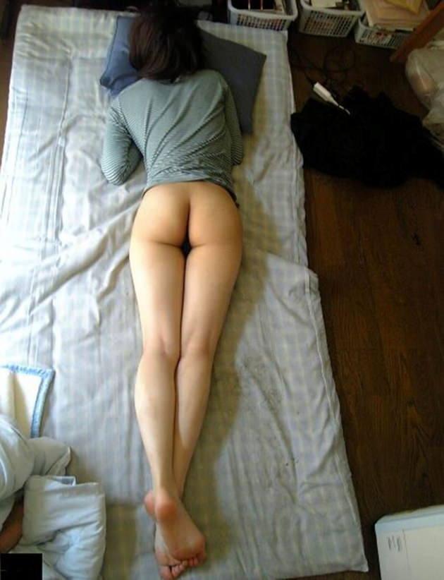 下半身が裸の素人 12