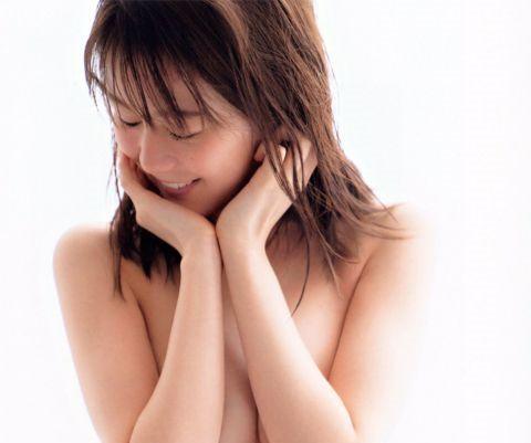【ヌード速報】乃木坂46生田絵梨花、写真集で全裸解禁していた…決意の誕生日ヌードがこちら…