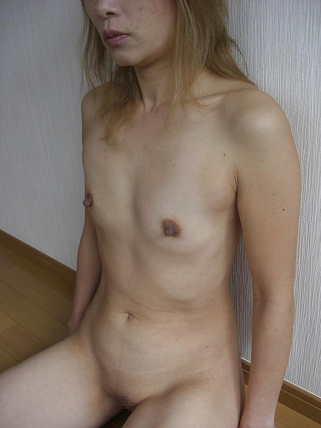 素人熟女の貧乳 25