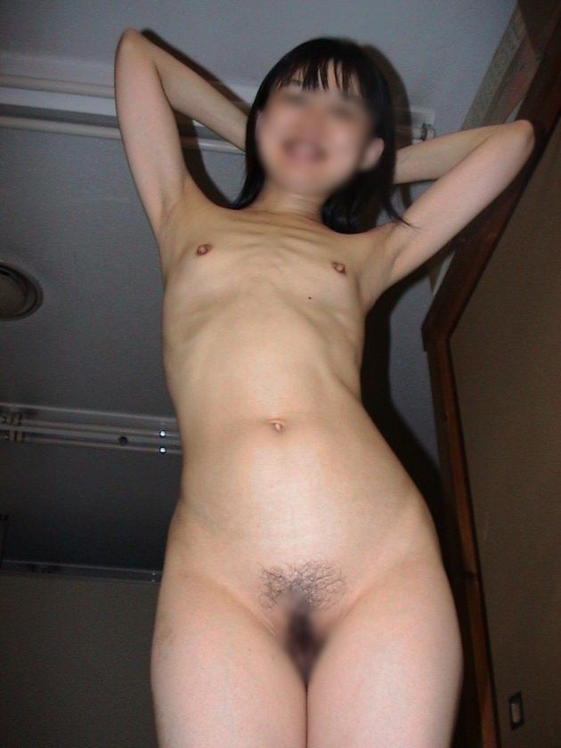 素人熟女の貧乳 28
