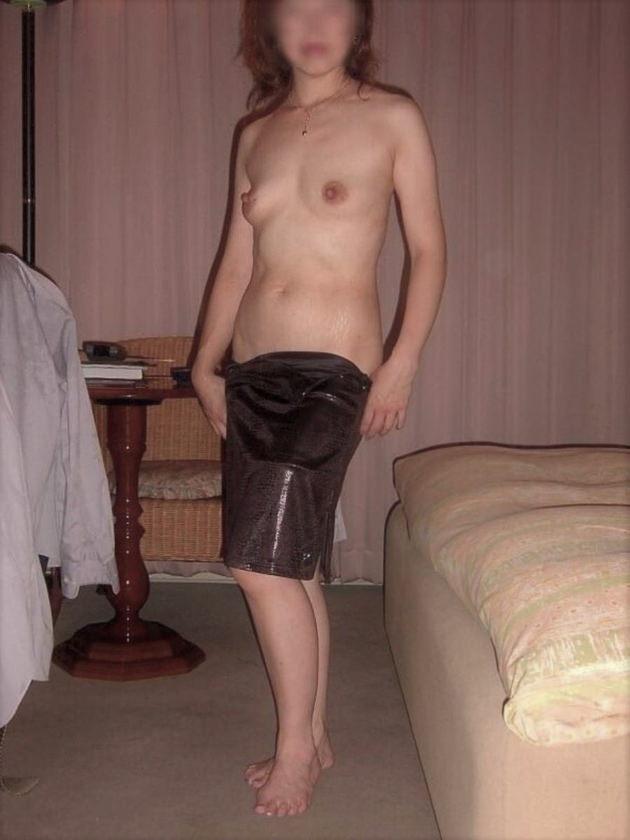 素人熟女の貧乳 60