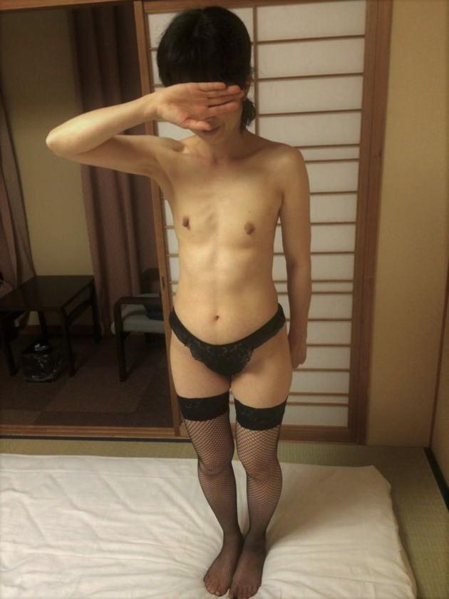 素人熟女の貧乳 72