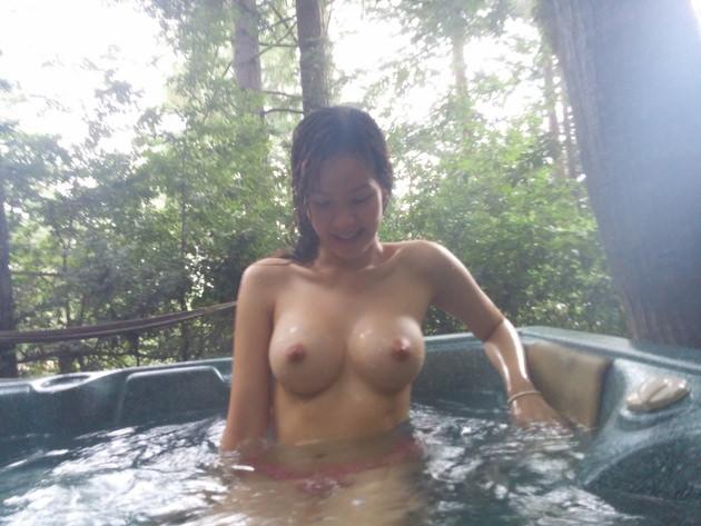 温泉旅行で撮った素人の入浴中ヌードや浴衣姿 17