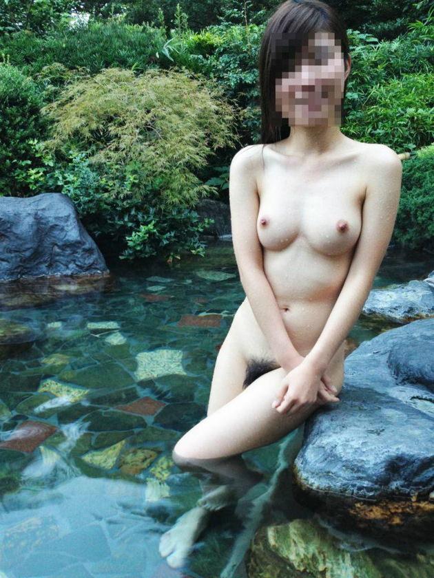 温泉旅行で撮った素人の入浴中ヌードや浴衣姿 44