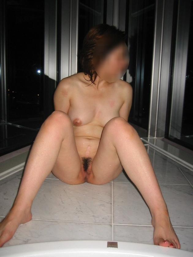 ラブホで撮った熟女の全裸 14
