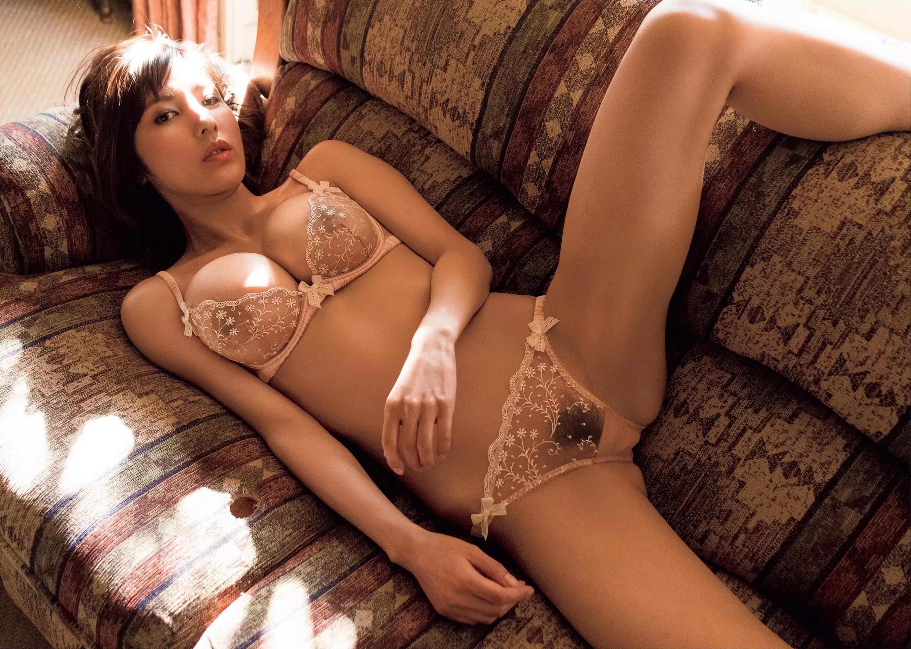 【ヌード画像】女優・渡辺万美(29)地獄の全裸濡れ場おっさんとSEXが凄い嫌そう…顔を歪めて嫌悪感丸出し…