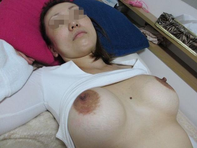 素人妻のデカ乳輪 15