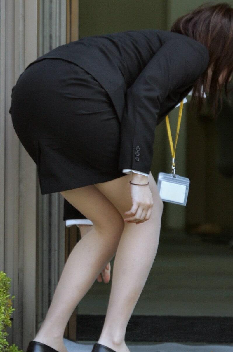 【OL美脚】働く素人お姉さんのタイトスカートから伸びる美しいおみあし 画像31枚