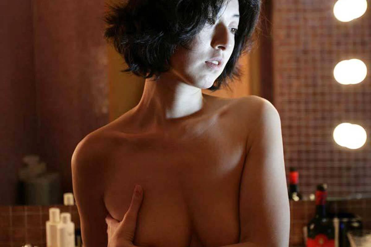 高岡早紀 ヌード画像 乳首出しおっぱい!全裸入浴がエロすぎるwwww【GIFあり】