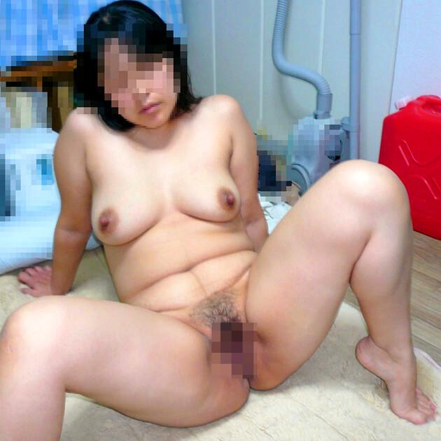 ぽっちゃり熟女の全裸ヌード 2