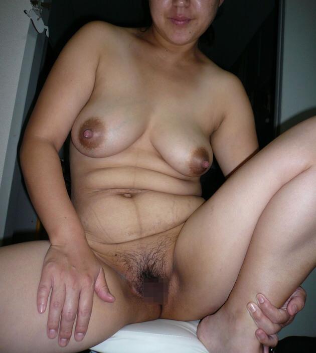 ぽっちゃり熟女の全裸ヌード 5