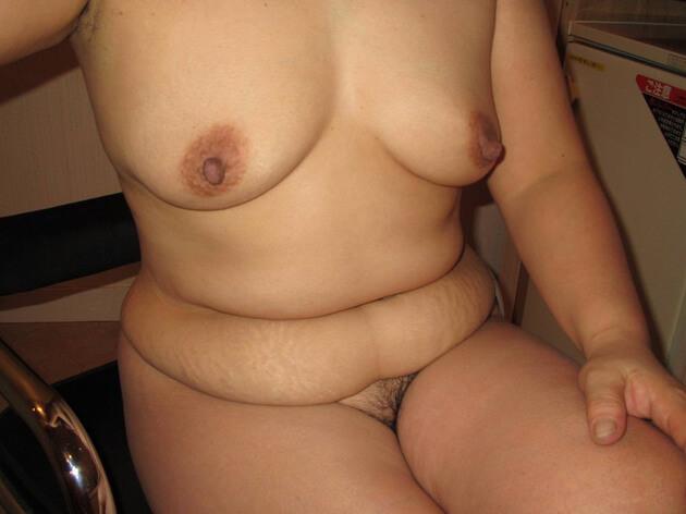 ぽっちゃり熟女の全裸ヌード 6
