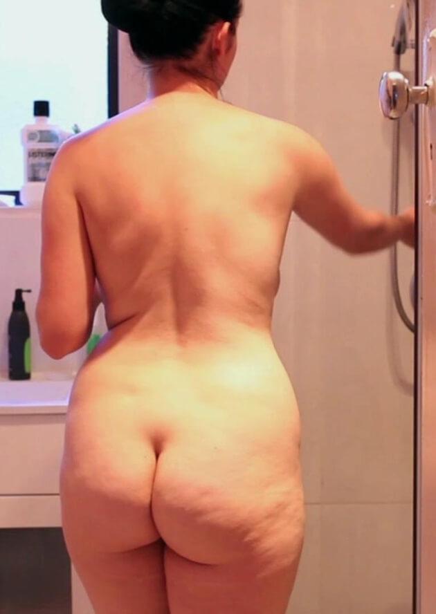 ぽっちゃり熟女の全裸ヌード 34